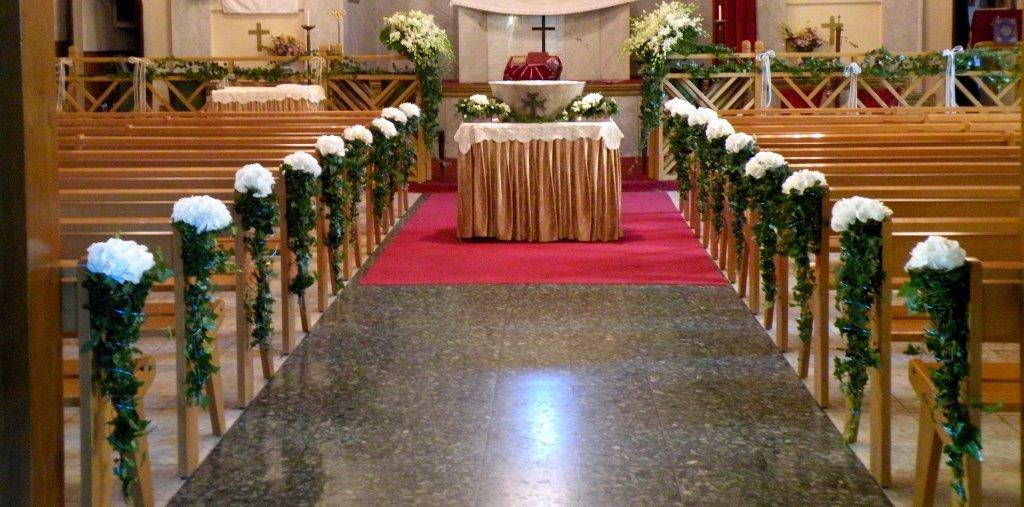 L 39 glise fleurie livraison de fleurs marseille jennyflor - Decoration eglise pour mariage ...